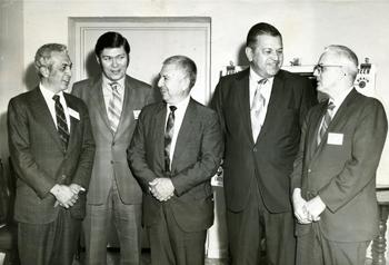 Хозе Сильва с учеными, исследующими работу человеческого мозга